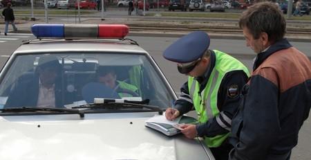 Имеет ли право сотрудник дпс в дождик проверять тонировку