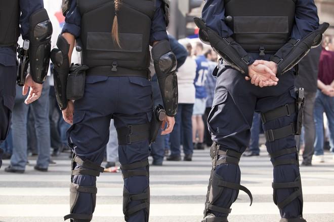 Наша служба и опасна, и трудна: последняя редакция ФЗ «О полиции» 2016