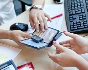 Электронные ПТС заменят бумажные с 1 июля 2017 года