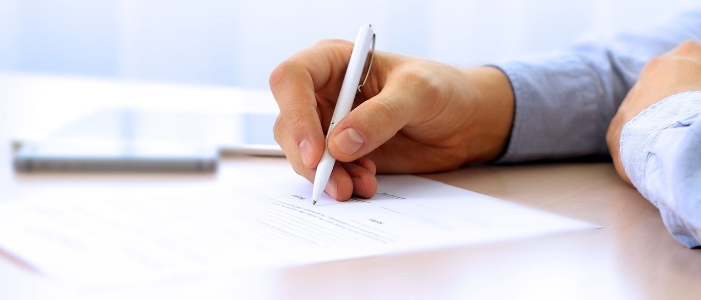 Что представляет из себя лицензионный договор? Какие условия он должен содержать, и на какой срок распространяется его действие? Нужно ли регистрировать лицензионный договор? Читайте в нашей статье.